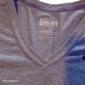 Nike Dri-FIT Gray V-Neck Top Size M